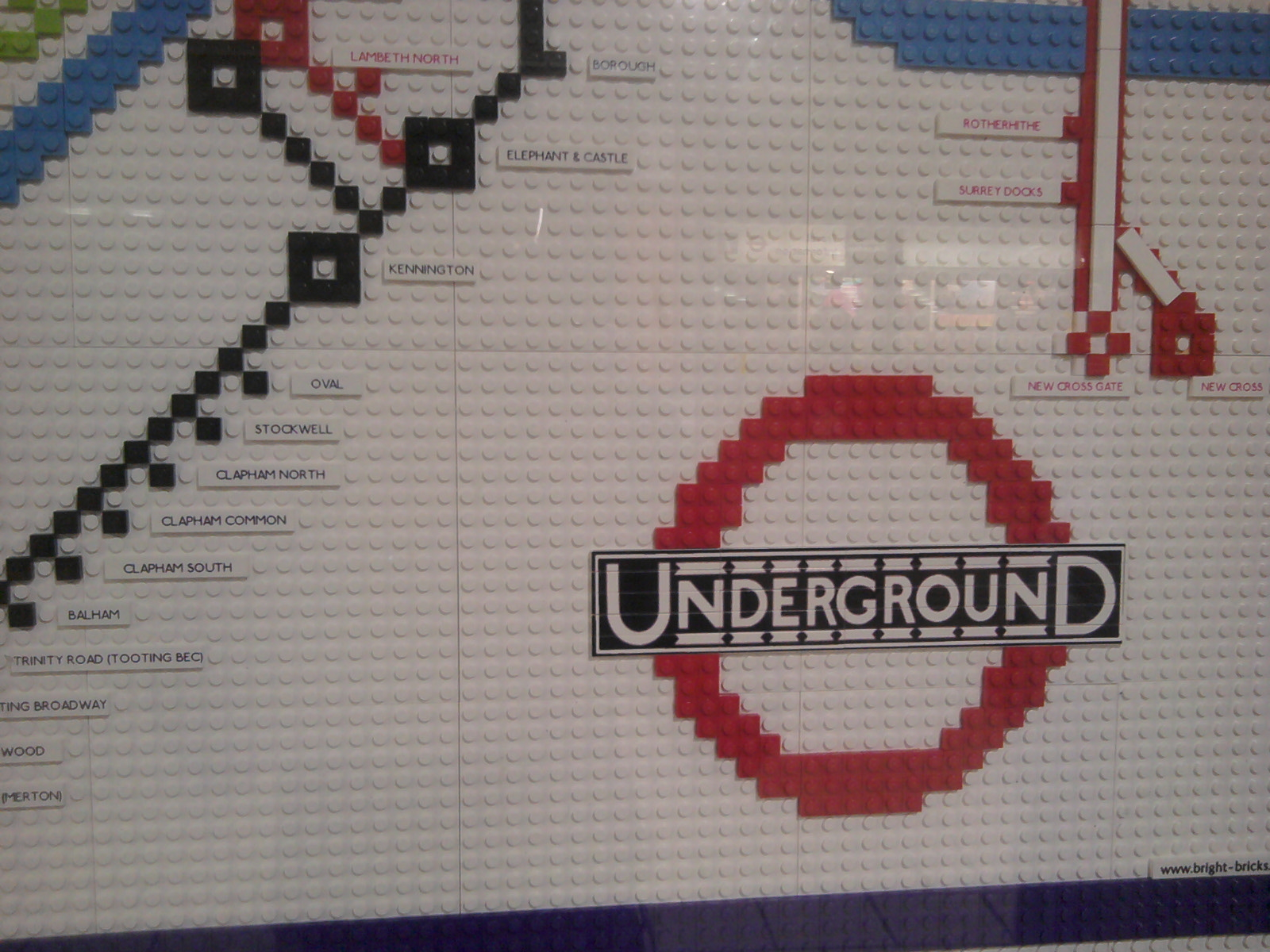 LEGO 1933 Harry Beck Underground Map close up of roundel