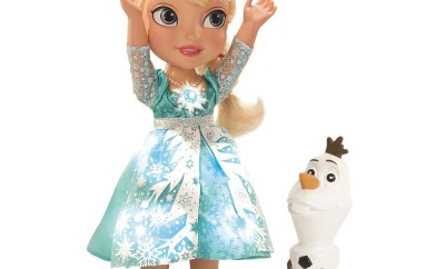 Dream Toys 2014 Disney Frozen Snow Glow Elsa by Jakks Pacific