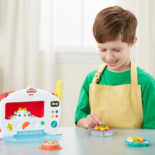 DreamToys 2017 Play-Doh Kitchen Creations Magical Oven Playset